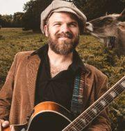Musiker und Storyteller Matt Sonnicksen